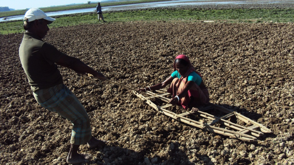 Land preparing after received training on vegetable gardening under livelihood project